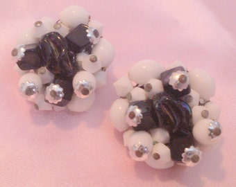 Vintage Black and White Glass Bead Cluster Earrings