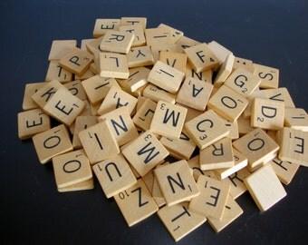 Vintage Scrabble Tiles, 100 Scrabble Tiles From 1950s-60s, Pendant Tiles,Scrabble Game Pieces, Board Game, Complet set of Tiles