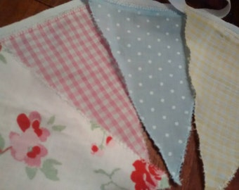 Fabric Bunting 2m shabby Chic/Vintage/Style 12 flag wedding Decoration.Pink/Blue/White/Yellow, Floral/Spot/Gingham