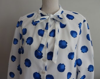 70s   vintage Seashells thin silky Polyester Shirt Novelty Tie Bow Blouse Size Large