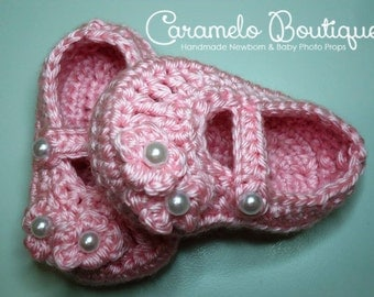 Pink Newborn Mary Janes Shoes with Pearls-Crochet Pink Baby Girl Shoes-Pink Baby Girl Loafers Booties-Photography Prop-Infant Shoes