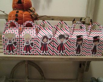 Magic Kids Gable Favor Boxes Set of 12