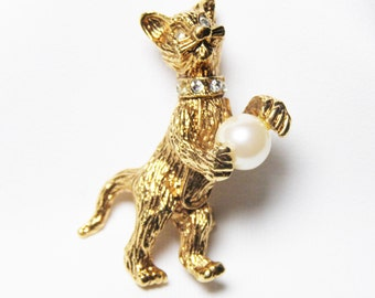 Cute Cat Brooch with Faux Pearl Ball