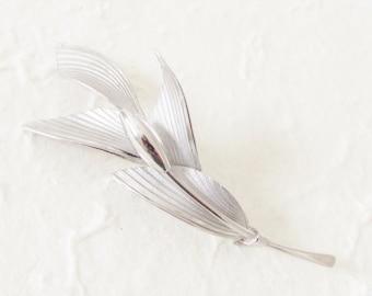 Vintage Modern Sterling Leaf Flower Brooch Bond Boyd