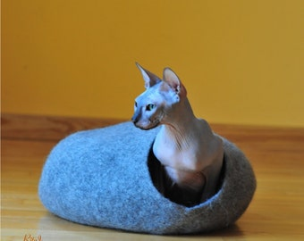 Cat bed - cat house - cat cave - puppy bed - pet furniture - pet bed - cat bed from felted wool- eco friendly - made to order