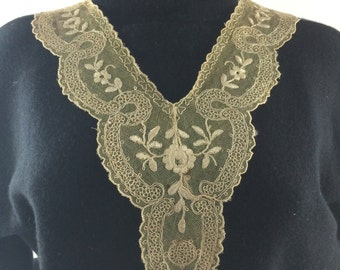 Vintage Delicate Netted Lace Collar