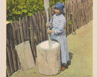 Smoky Mountains, Indian Woman,  Grinding Maize - Vintage Postcard - Postcard - Unused (SSS)