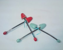 Two Pair Vintage Shoe Stays , Aqua and Red Wooden , Shoe Inserts