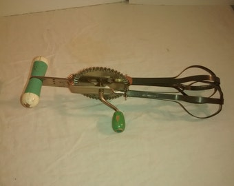 Green Egg Beater , Vintage High Speed Center Drive , Ecko Patent Pending , 1930's