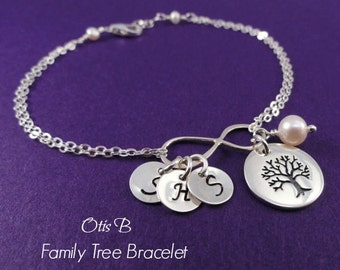 Mother of the Bride gift, Mothers bracelet, family tree, personalized mother of the groom gift, childrens initials, infinity bracelet,Otis B