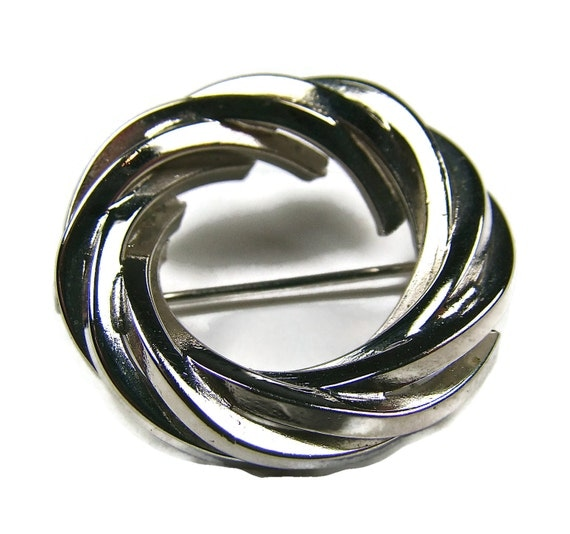 Polished Silver Braided Brooch