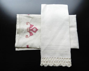 Vintage Woven Off White Towel with Crochet or Tatting and Oatmeal Linen Applique Dusty Rose Set of 2