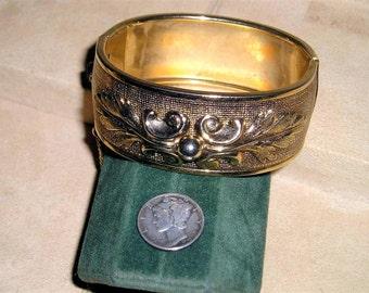 Vintage Bracelet Hinged Art Nouveau Leaf Pattern 1960's Jewelry 2102