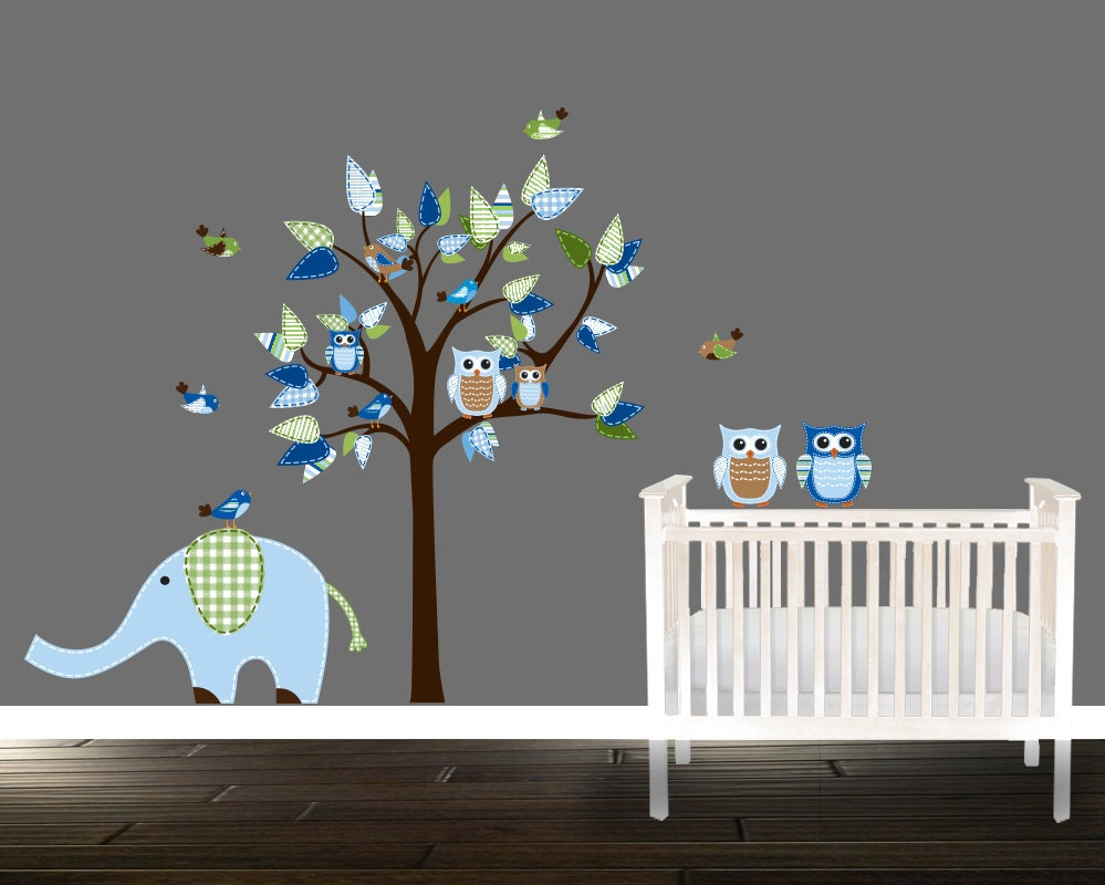jungen eule wandtattoo blau kinderzimmer abziehbilder baum. Black Bedroom Furniture Sets. Home Design Ideas