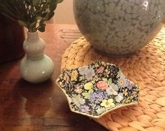 Antique Empire Black Chintz Marguerite Pattern Blue Floral Nut Candy Dish