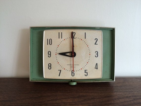 Mid Century Green Ge Telechron Wall Clock Model 2h105 By