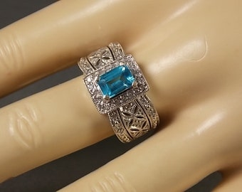 Blue Topaz and Diamond Rng Filigree Mounting 1.50Ctw White Gold 14K 4.6gm Size 6.75