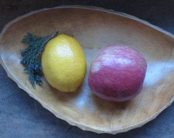 Vintage Carved Rustic Primitive Wooden Nut/Fruit Bowl/Platter