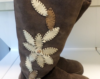 Vintage  Brown 9 M  Boho Hippie Suede Leather Boots Tall  Knee High Bohemian  Size 9  Wide Leg Faux Fur Mod  90s Tall Chunky Flower Child