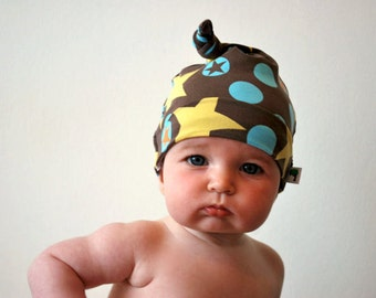 SALE - Brown star jersey hat 0-3mths cute retro print yellow blue babies kids childrens toddler single knot cotton knotted hats cute newborn