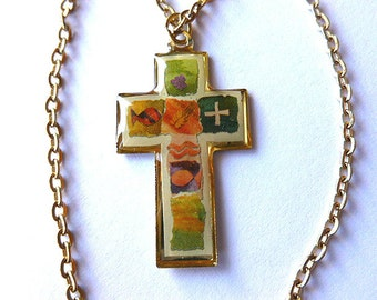 FEATHERWEIGHT PICTURE Cross, Vintage Goldtone Cross,  Colorful Cross Pendant & Neck Chain, Gold Cross, Cross Necklace, Gift under 10, Cross