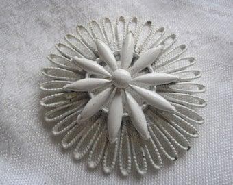 Vintage 70's White Enamel Open Weave Flower Pin