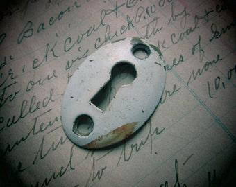 Vintage Escutcheon Metal Keyhole Oval Chippy White Paint VTG Patina Architectual Key Hole Plate Looking Art Jewelry Crafts Art Embellishment