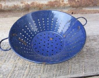 Vintage enamelware Blue Graniteware Enameled Colander Rustic Country Kitchen Strainer Old Granite Ware Swirled Vintage Kitchen Decor