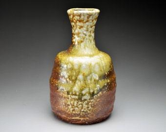 Shigaraki, anagama, ten-day anagama wood firing, with natural ash deposits sake bottle. tokuri-11