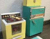 Barbie Doll House RETRO KITCHEN VIGNETTE Room Furniture & Accessories Vintage Food Stove Range Refrigerator