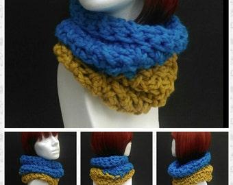 Super Chunky Crochet Cowl Scarf Two Tone Turquoise Barley Neckwarmer Accessory