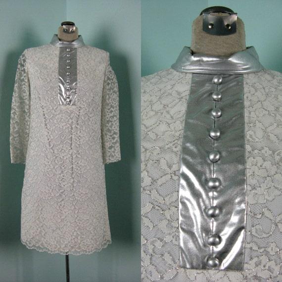 Vintage 1960s MOD Metallic Lace Dress, 60s SPACE Age White Lace Shift Dress Size 4 S