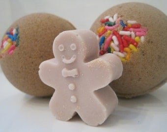 CLEARANCE - 50% OFF 2 Gingerbread Bombs with Gingerbread Boy Soap Inside