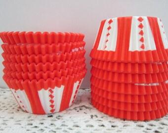Orange Cupcake Muffin Baking Liners ~ Standard Size ~ Circus Carnival Pattern