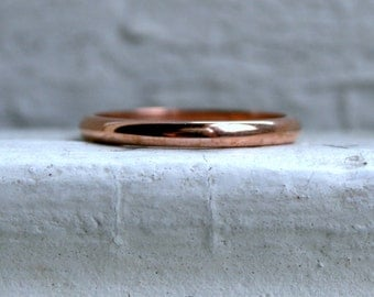 Pretty Vintage 14K Rose Gold Plain Ring Wedding Band.