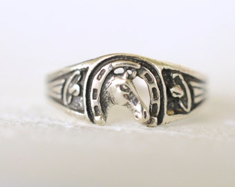 1970's vintage / Horseshoe and horse / lucky / good luck / southwestern / sterling silver ring