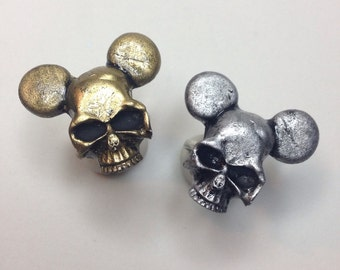 Mickey mouse skull ring (1)