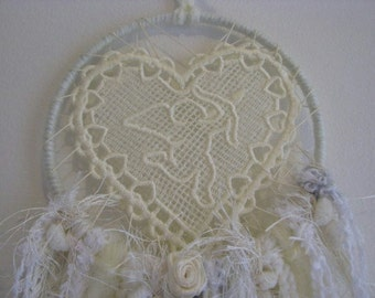 Dreamcatcher - Wall Hanging - Home Decor -Shabby Chic - Boho - Indian - Freespirit - Gypsy - Dream Catcher - Dream - Vintage Cream Cupid