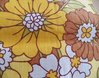 Unused Fab Flower Power Linen Towel from 1960 in Perfect Condition