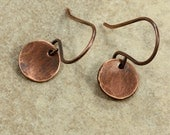 Small Hammered Copper Disc Earrings, Aged Copper, Hammered Copper Earrings, Drop Earrings, Rustic Earrings, Primitive Earrings