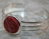 Kintsugi (kintsukuroi) style circle cuff bracelet in swirled mauve polymer clay with silver repair in a silver plated setting - OOAK