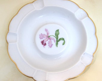 Vintage  Heinrich Bavaria Germany Iris or  Orchid Ashtray Porcelain  T34