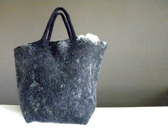 Seal Tote Bag /Snow Tote Bag Wool Felted Tote Bag,  Felted Wool Message Bag, Slow design. momoish made.