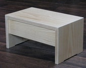 Step Stool, hardwood, with Miter Joinery for continous end to end grain sequence