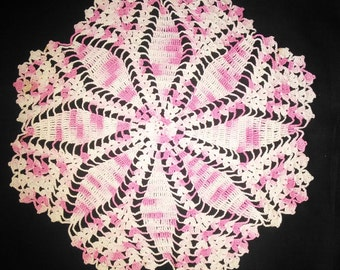 Vintage Pink and White Round Doile - Doile - Doiley