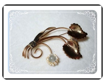 Vintage Graceful Brooch - Floral Rhinestone and Moonstone Brooch  Pin-1418a-40510000