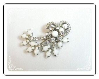 Juliana Milk Glass Brooch  -  How Sweet It Is D&E Juliana White MilkGlass Floral Swag  776a-061511025