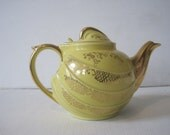 Hall Teapot 6 Cup Yellow Floral Pattern Trimmed in Gold Label 6L Vintage E891Bs