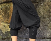 Pedal Pushers-black pants-womens capris-riding pants-womens yoga wear-black cotton pants-baggy capri-unique fashion-trendy women's clothing