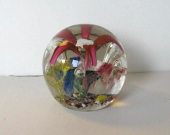 SALE, Vintage Glass Paperweight, Floral, Art Glass, handcrafted, Collectible, gift idea
